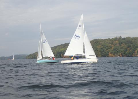 A few boats pretty close to finishing up race 1